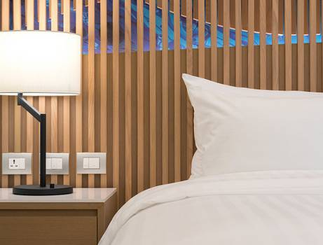 Deluxe Urban King Bed Mytt Beach Hotel Pattaya